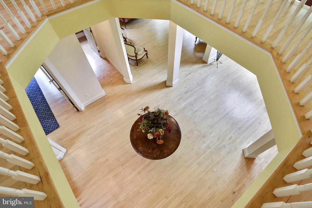 View to Below from Upper Level - 11258 SOMMERSWORTH CT, STERLING
