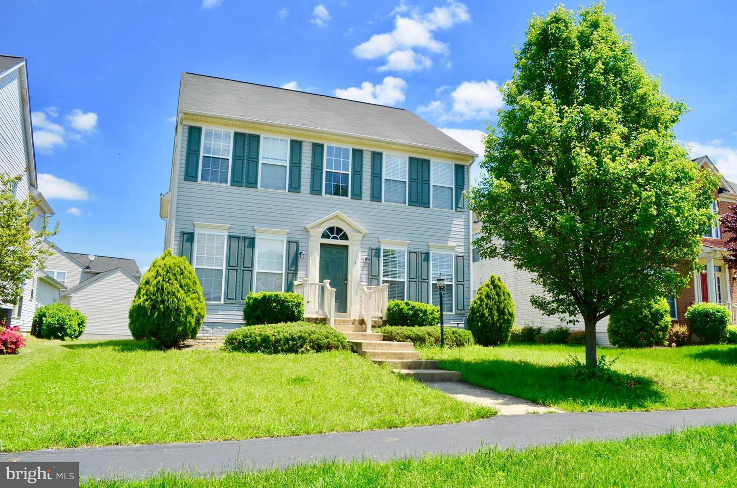 Photo of home for sale at 4 Tritapoe Place, Lovettsville VA