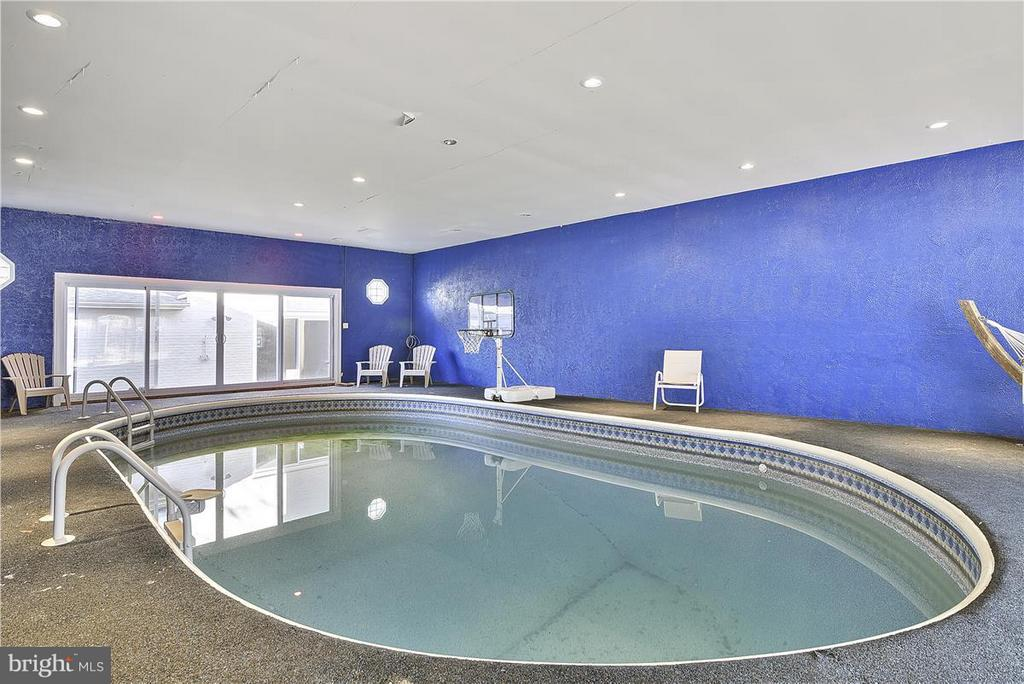 Indoor Pool w/New Heater & Liner ! - 6807 SPRINGFIELD DR, LORTON