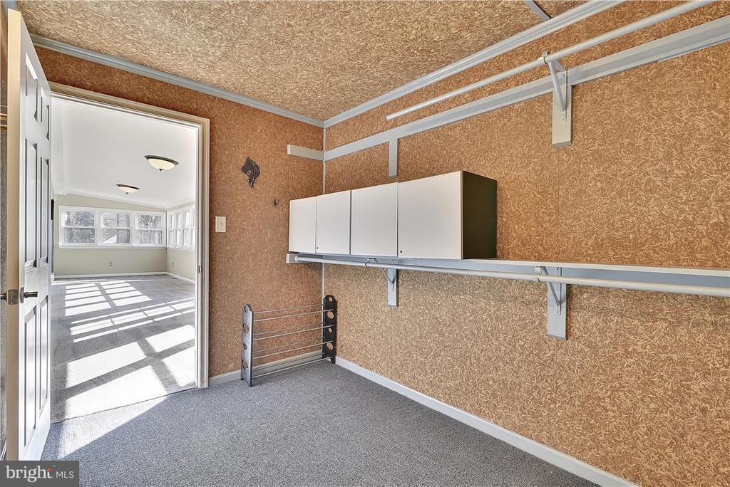 Walkin Cedar Closet - 6807 SPRINGFIELD DR, LORTON