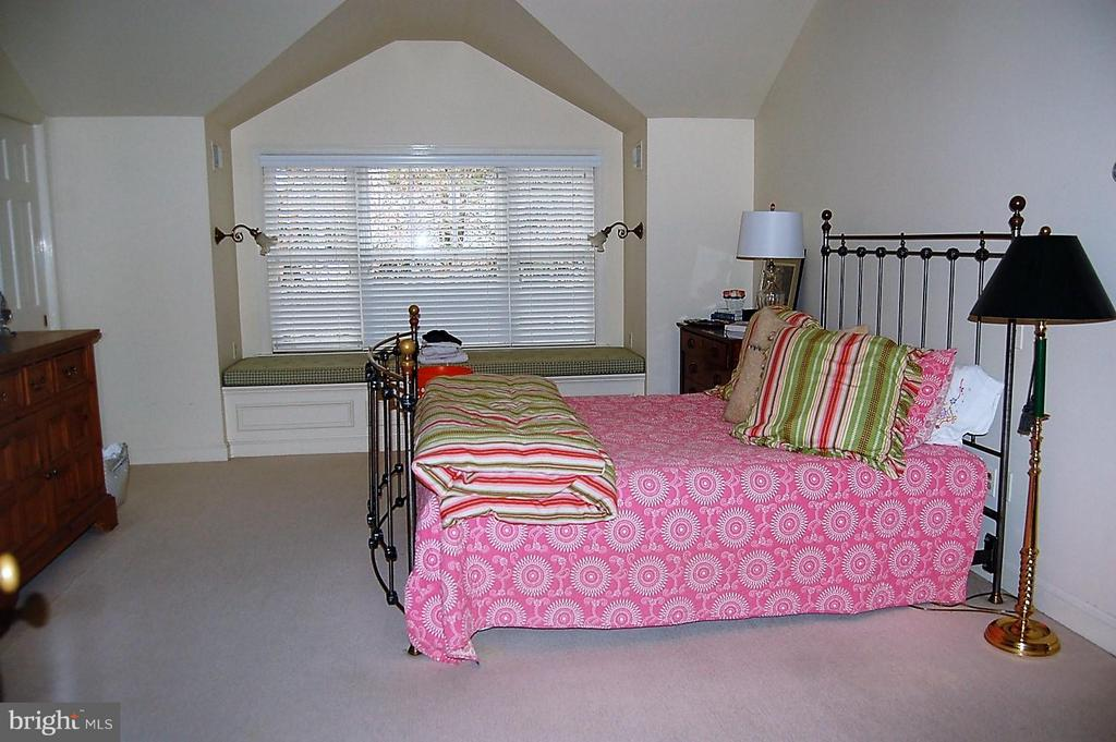 Master Bedroom - 5308 WRILEY RD, BETHESDA