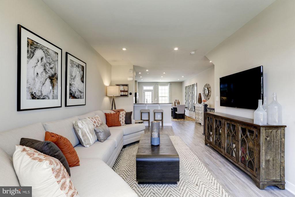 Living Room - 4910 CREST VIEW DR #106C, HYATTSVILLE
