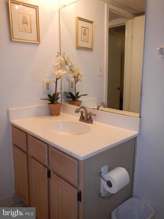 Bath (Master) - 3121 PATRICK HENRY DR #310, FALLS CHURCH