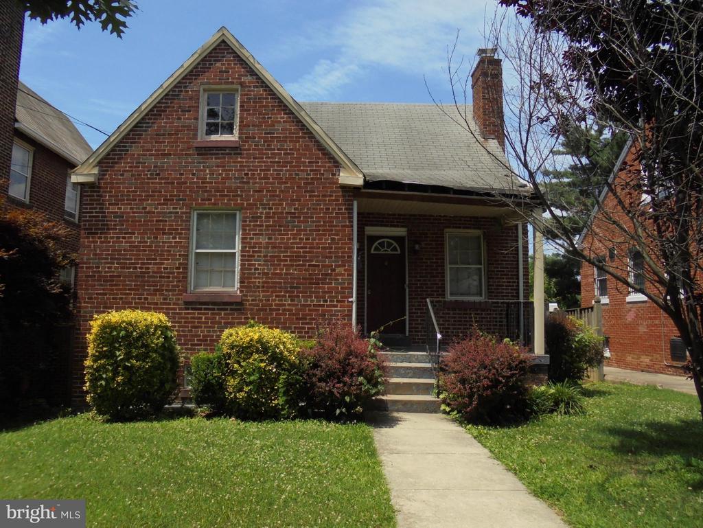 Washington Fine Properties :: Search All DC/MD/VA Listings