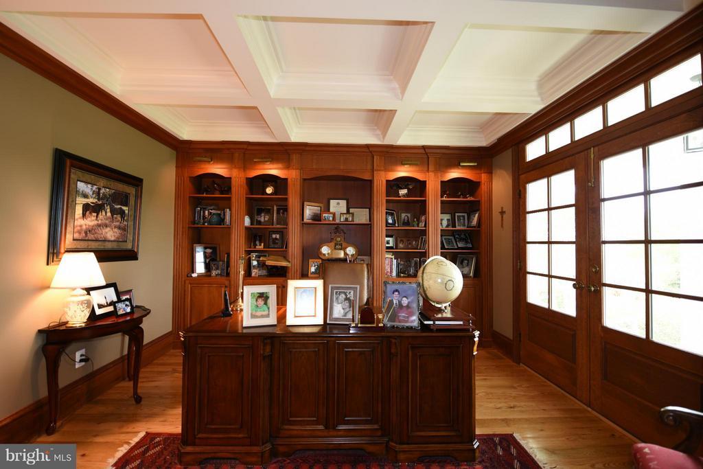 Main Floor Office - 96 LYLE LN, AMISSVILLE