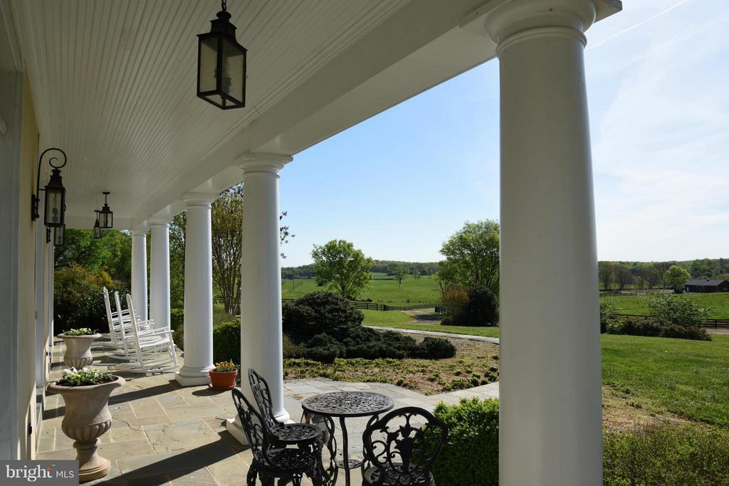 Front Porch View - 96 LYLE LN, AMISSVILLE