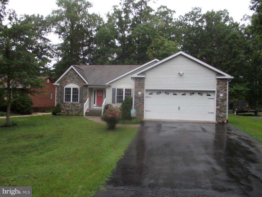 Welcome Home-Personality Plus Find - 119 PATRICK HENRY CT, LOCUST GROVE