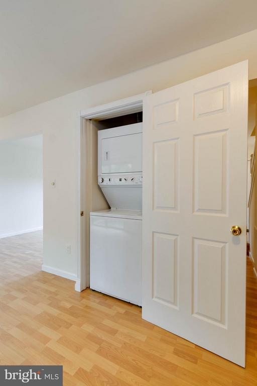 Washer and Dryer Convey - 907 WINDSOR CT, STERLING