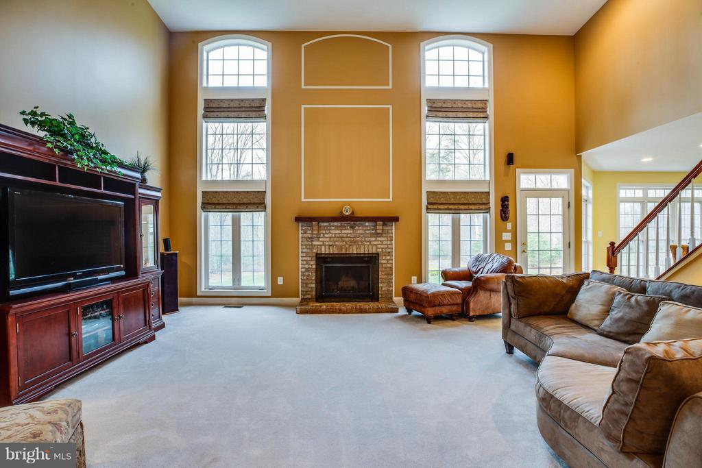 Great Room w/ Wood Fireplace, Natural Lighting - 12910 MACNEIL CT, FREDERICKSBURG