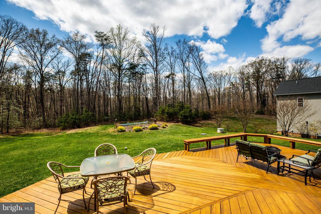 900 sqft Deck, Backs to Trees - 12910 MACNEIL CT, FREDERICKSBURG