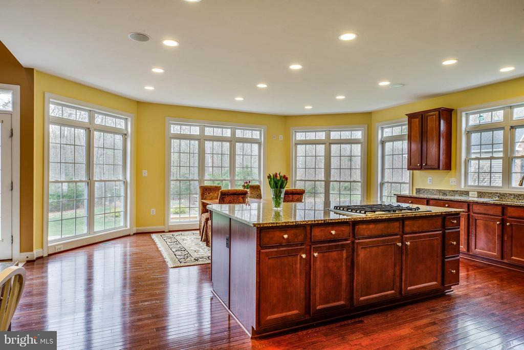 Spacious Kitchen w/ Lots of Natural Lighting - 12910 MACNEIL CT, FREDERICKSBURG
