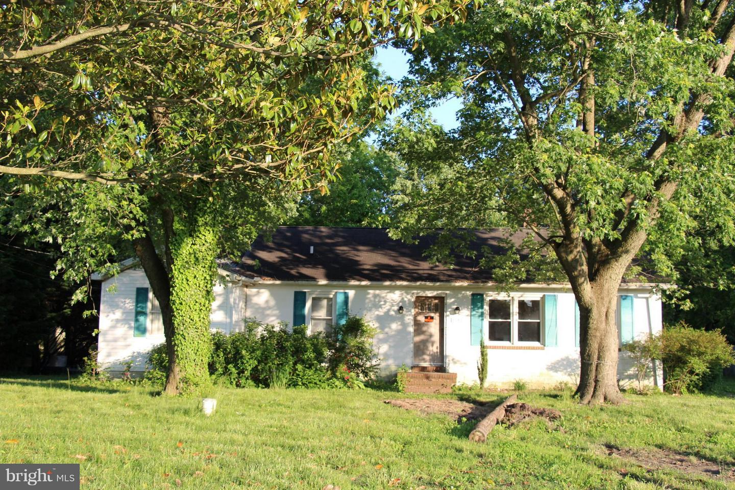 Single Family for Sale at 9745 Tilghman Island Rd McDaniel, Maryland 21647 United States