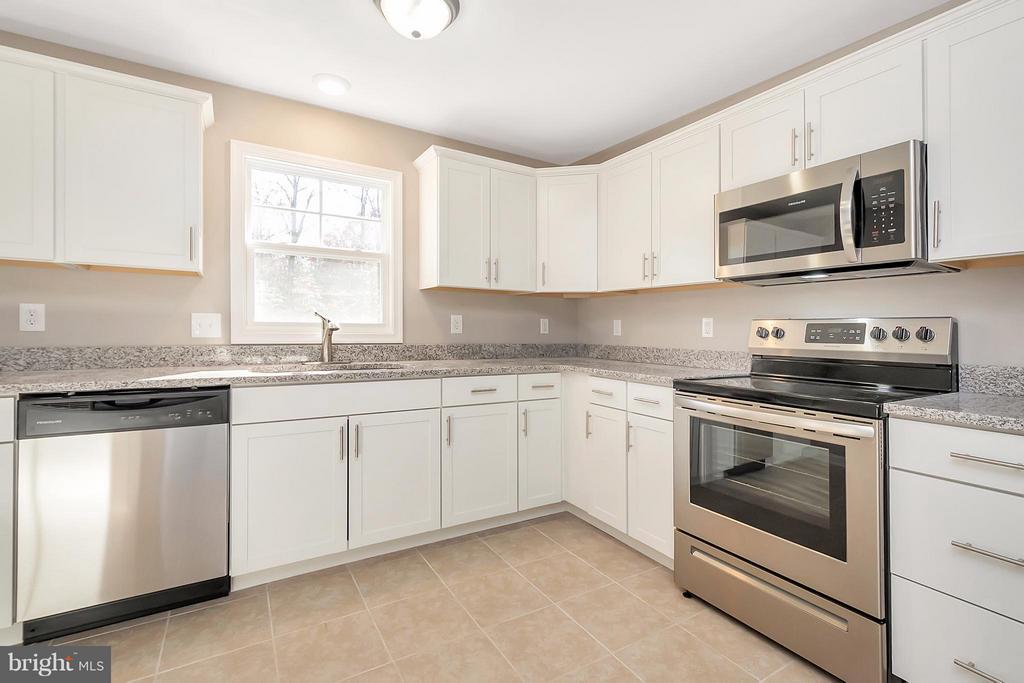 Kitchen - 12262 PAIGE RD, WOODFORD