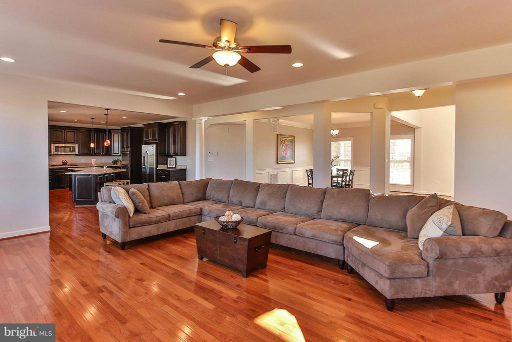 Flowing open floor plan - 36766 WATERFRONT LN, PURCELLVILLE