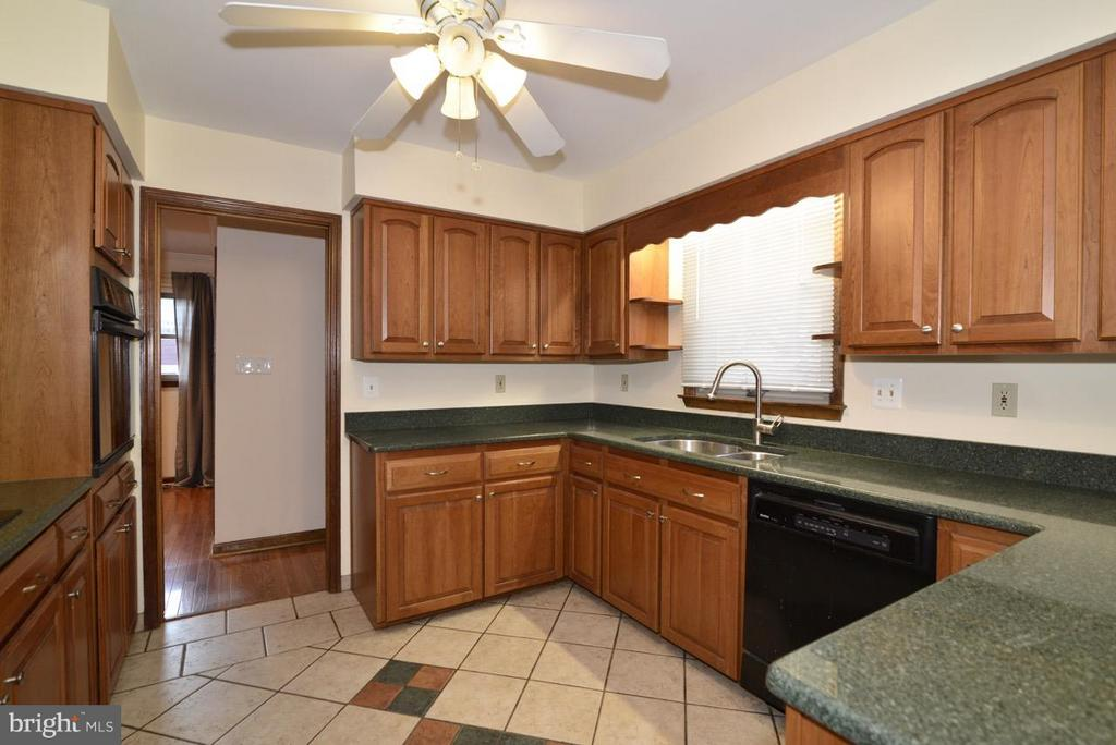 Kitchen - 138 FORT EVANS RD NE, LEESBURG