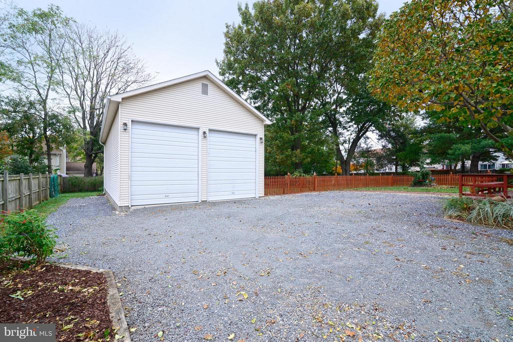 2 Bay garage w utilities & insulation - 138 FORT EVANS RD NE, LEESBURG