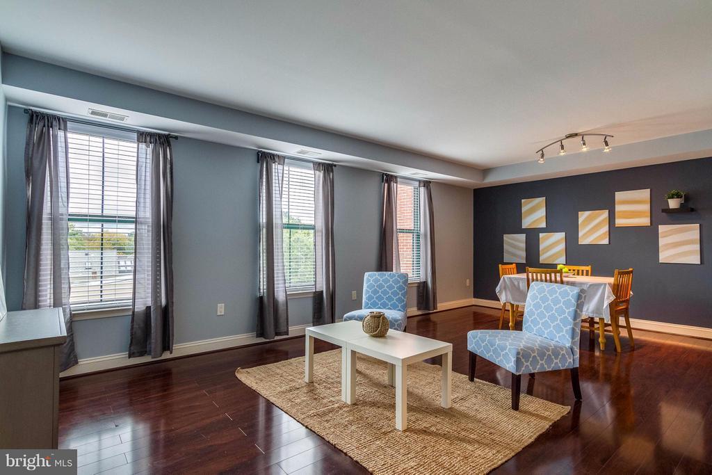 Living Room - 1111 ORONOCO ST #439, ALEXANDRIA