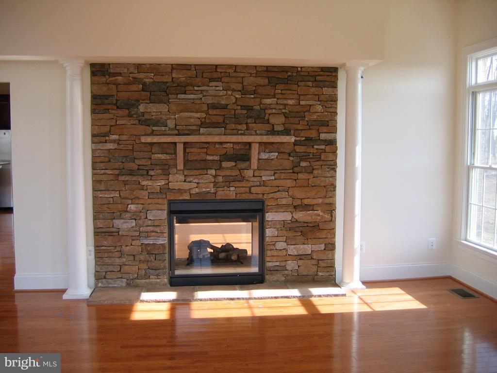 Sunroom with Gas Fireplace - 43513 STARGELL TER, LEESBURG