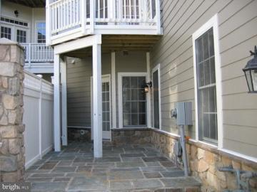 Balcony off kitchen with gas grill outlet - 43513 STARGELL TER, LEESBURG