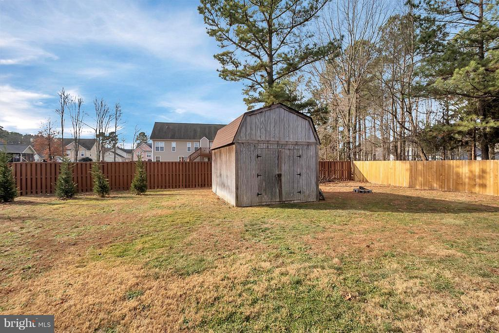 Large shed - 2702 STRATFORD ST, COLONIAL BEACH