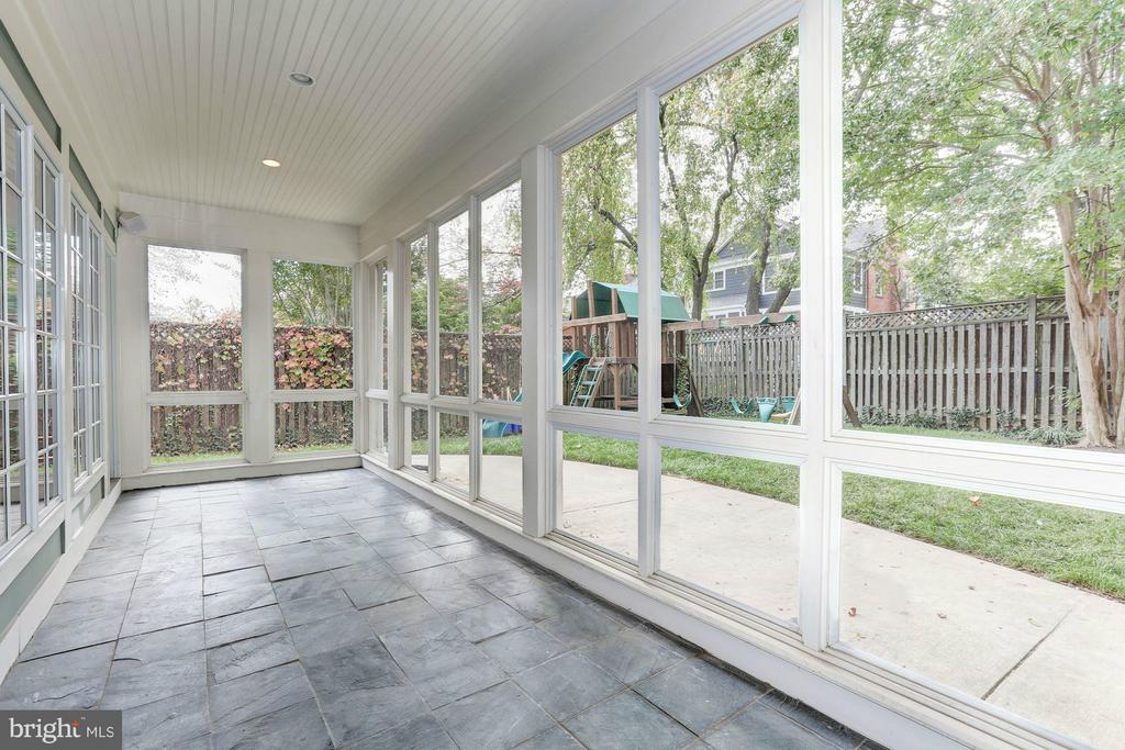 Screened Porch - 7818 CUSTER RD, BETHESDA