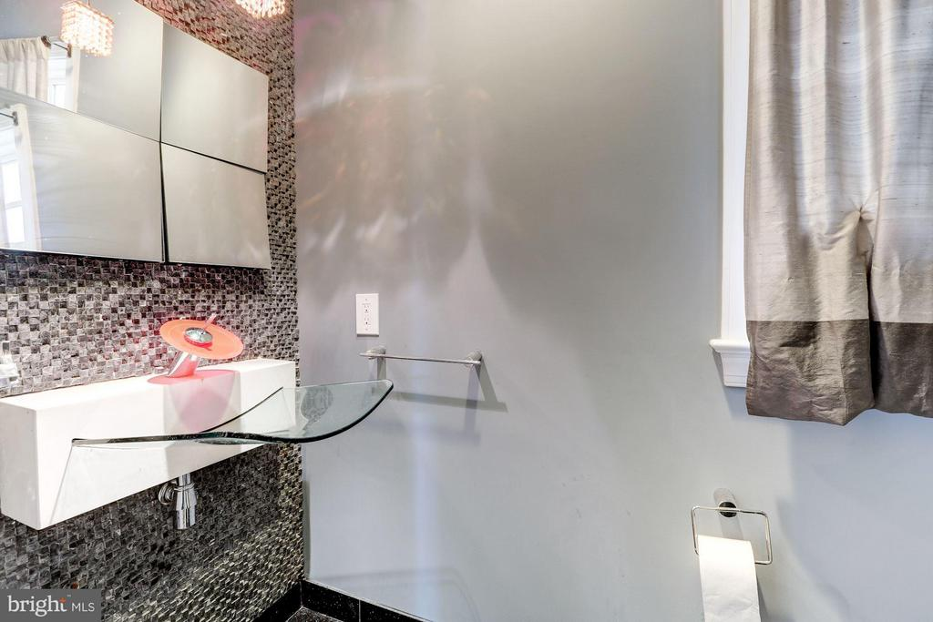 Powder Room - 7818 CUSTER RD, BETHESDA