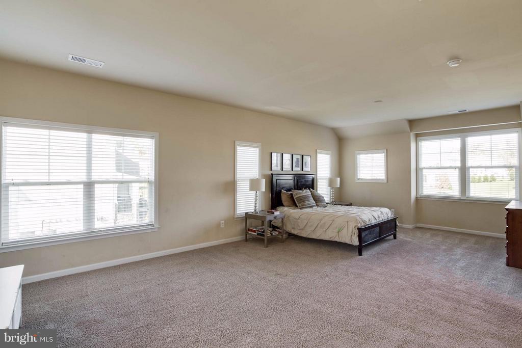 Bedroom (Master) - 7364 TUCAN CT, WARRENTON