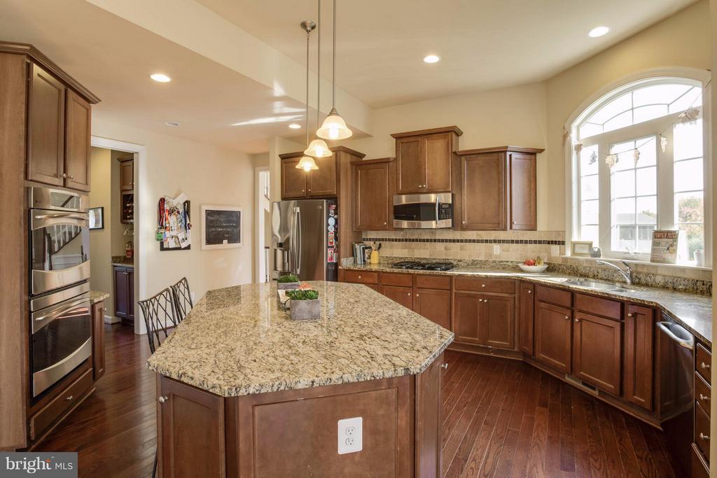 Kitchen - 7364 TUCAN CT, WARRENTON