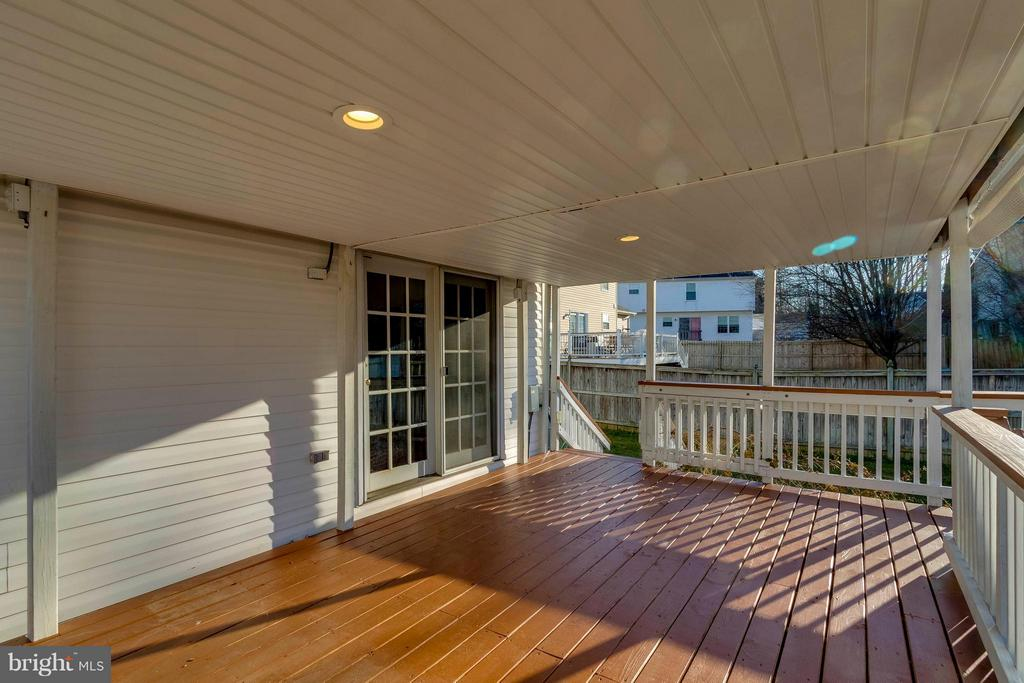 Sunny, Covered Deck - 13866 REDFORD LN, WOODBRIDGE