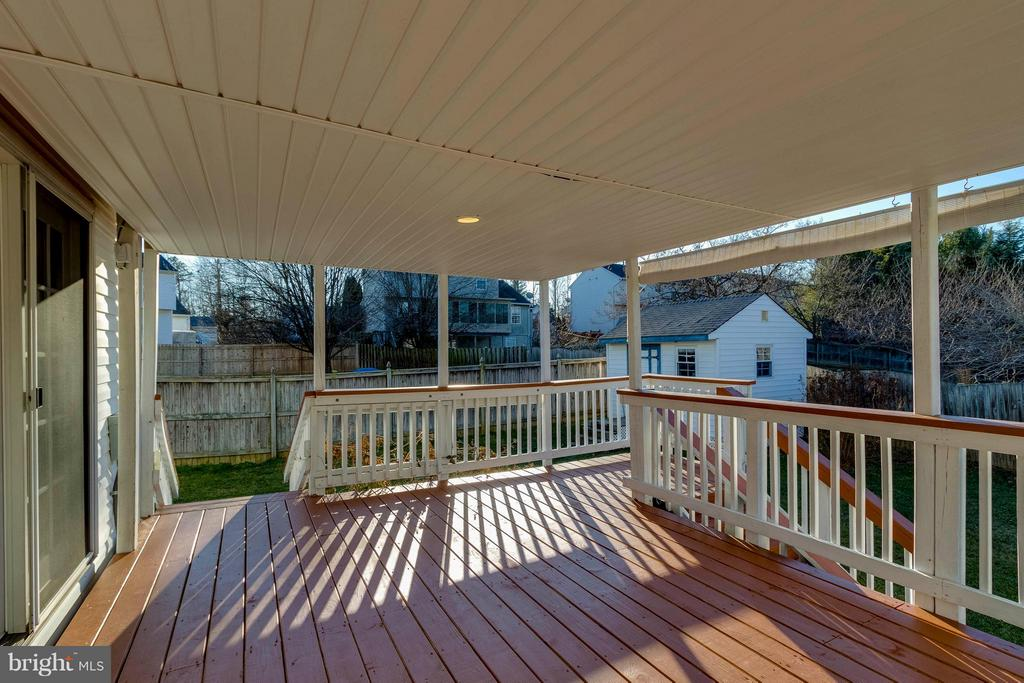 Covered Deck - 13866 REDFORD LN, WOODBRIDGE