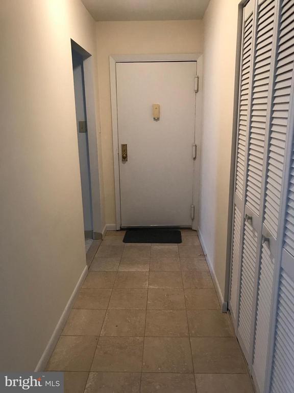 Hallway interior - 5801 EDSON LN #202, ROCKVILLE