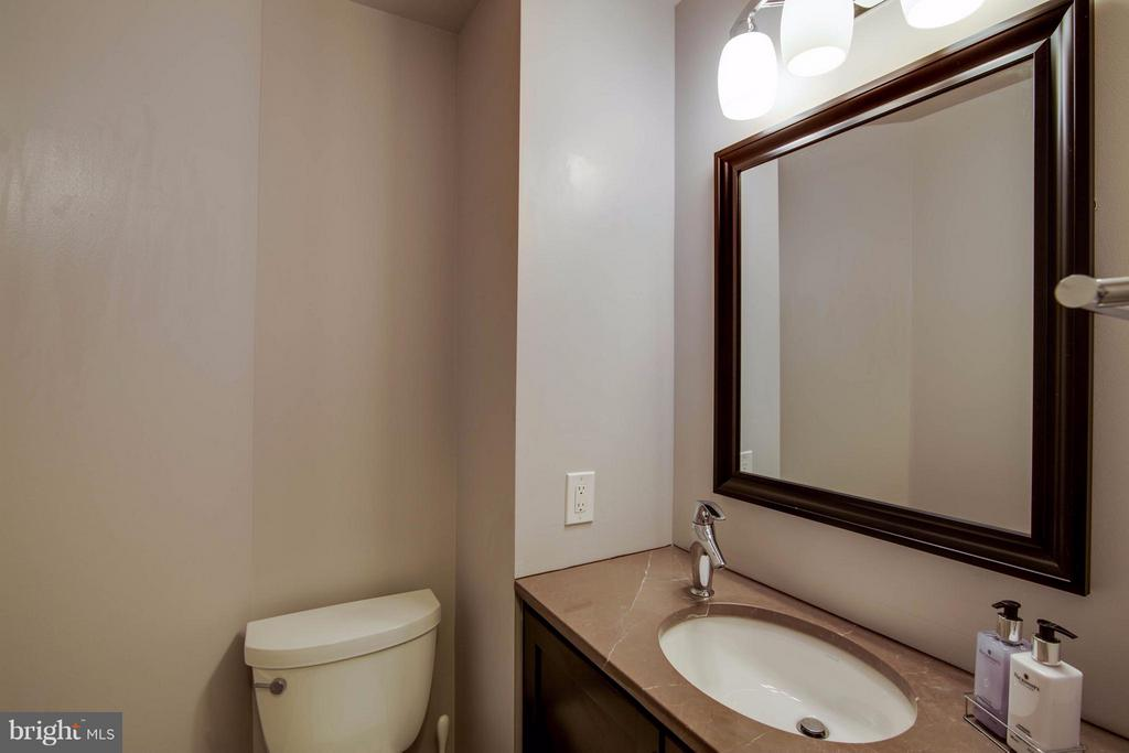 Half Bath - 1415 MAYFLOWER DR, MCLEAN