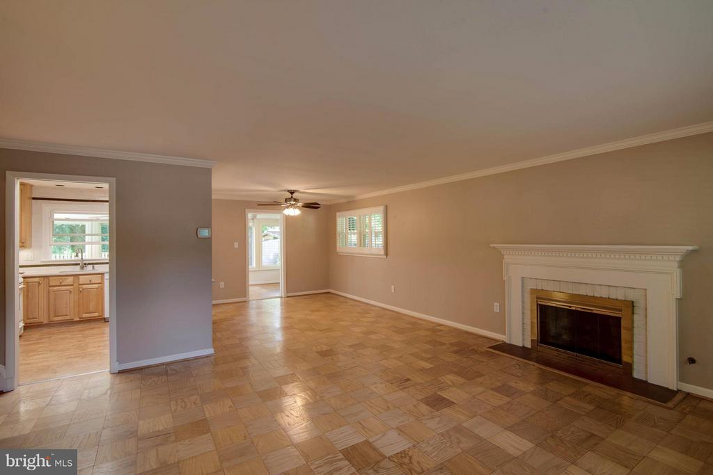 Open Floor Plan - 1415 MAYFLOWER DR, MCLEAN