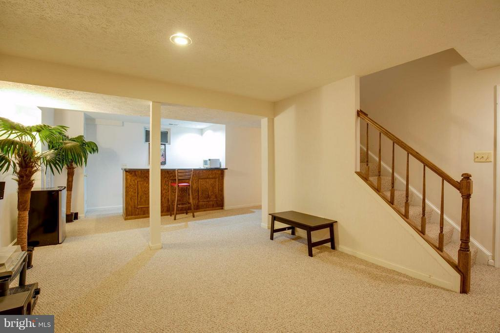 Lower level rec room - 15907 MONCURE DR, DUMFRIES