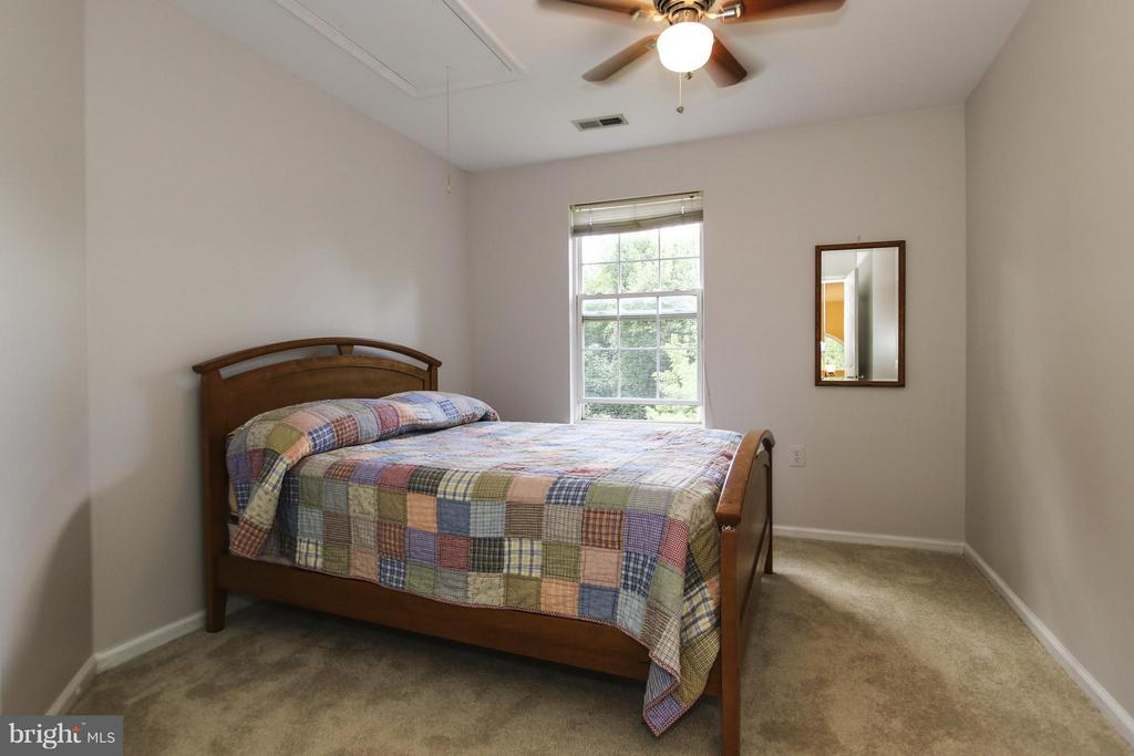Nicely sized secondary bedrooms - 1235 FEATHERSTONE LN NE, LEESBURG