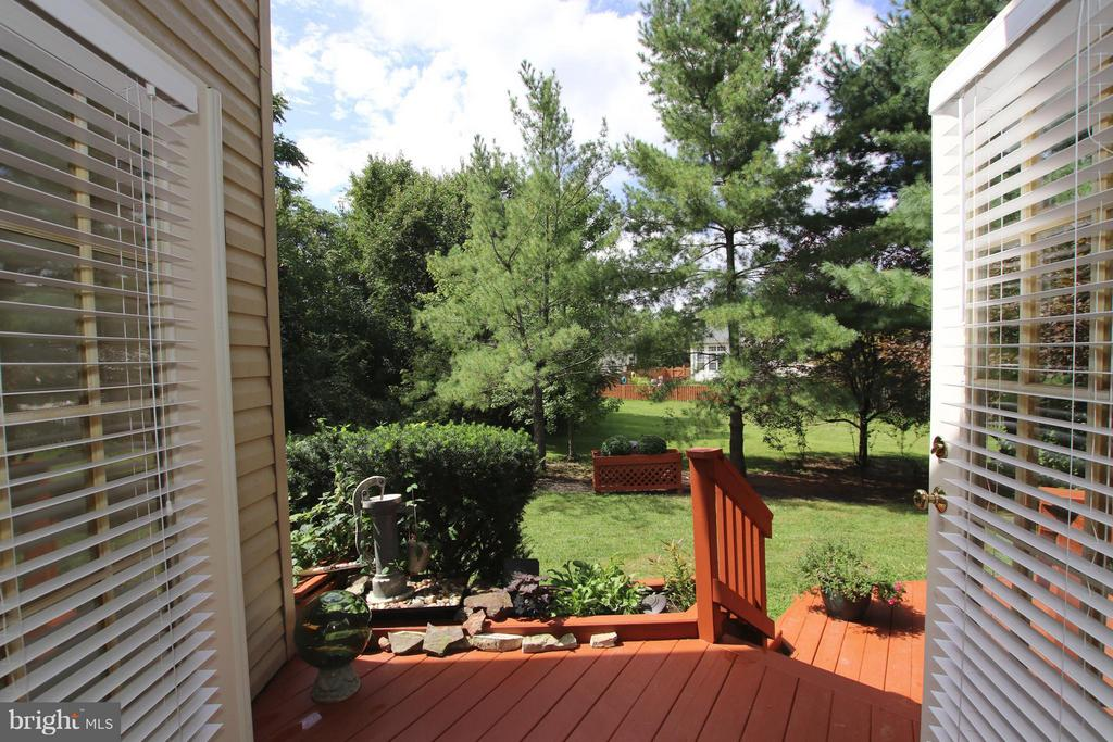 Look at this private wooded view! - 1235 FEATHERSTONE LN NE, LEESBURG