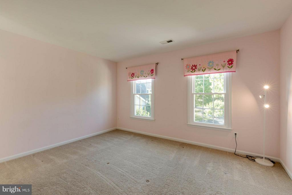 Bedrm #4 -Princess Suite w/ Private Bath - 1286 GATESMEADOW WAY, RESTON