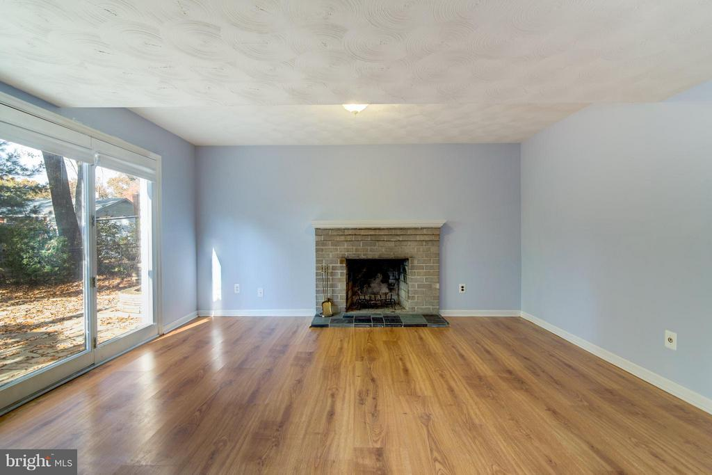 Basement Family Room - 4708 EXETER ST, ANNANDALE
