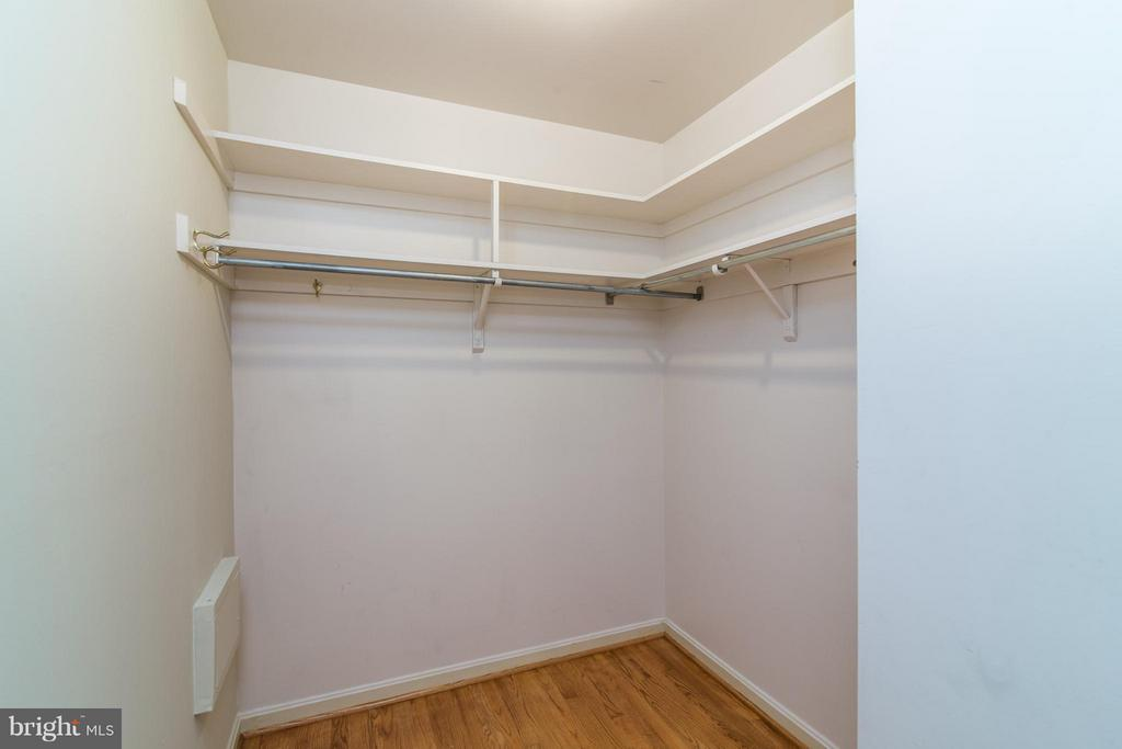 Master Walk-In Closet - 4708 EXETER ST, ANNANDALE