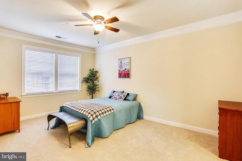 Bedroom (Master) - 401 KING FARM BLVD #BQ-101-R, ROCKVILLE
