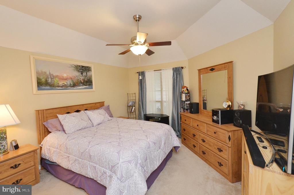 Bedroom (Master) - 3909 PENDERVIEW DR #1924, FAIRFAX