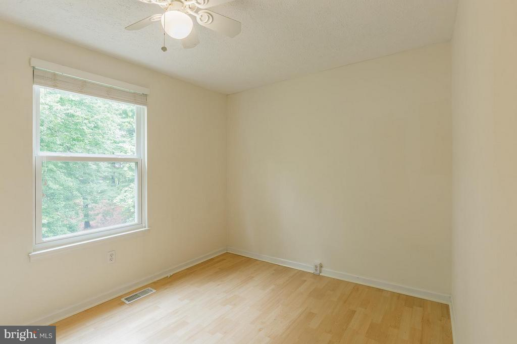 Third Bedroom - 4908 SUGAR MAPLE LN, DUMFRIES