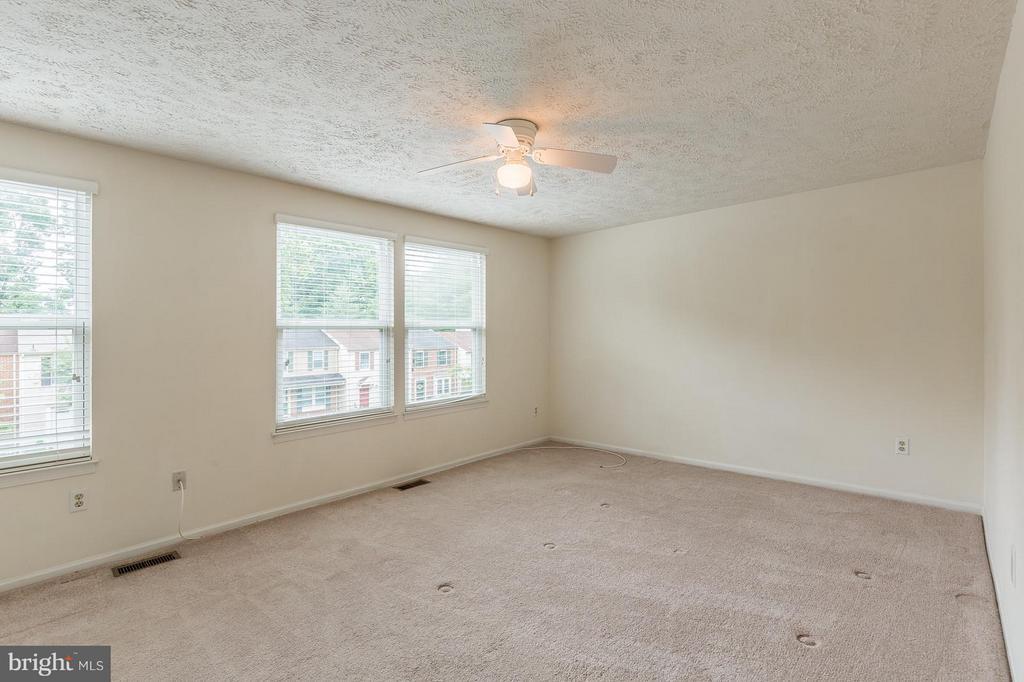 Bedroom (Master) - 4908 SUGAR MAPLE LN, DUMFRIES