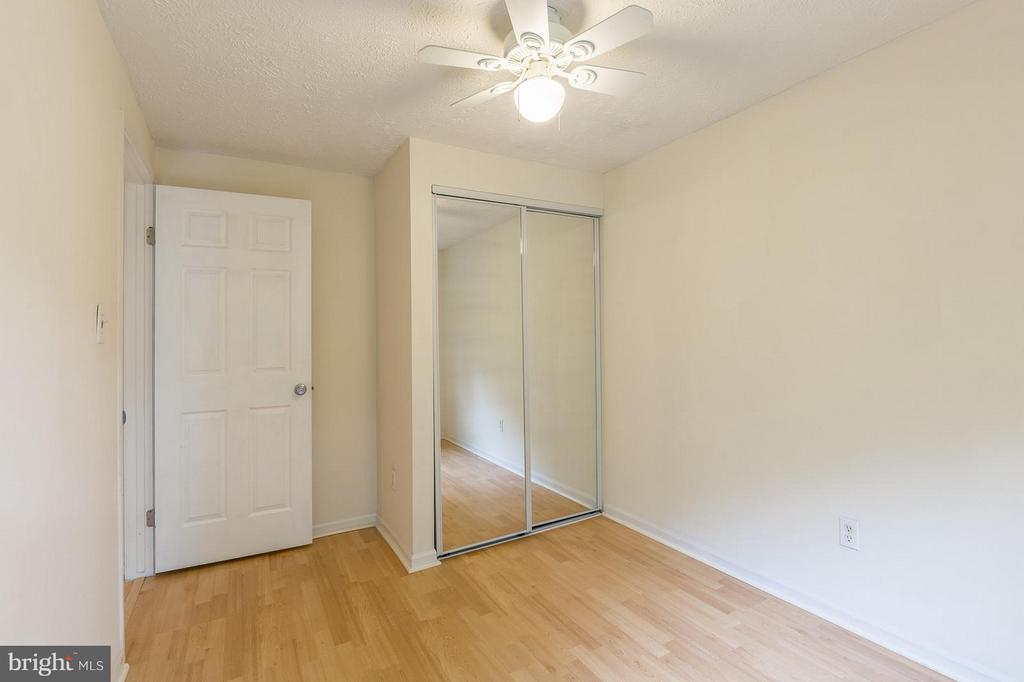Second Bedroom - 4908 SUGAR MAPLE LN, DUMFRIES