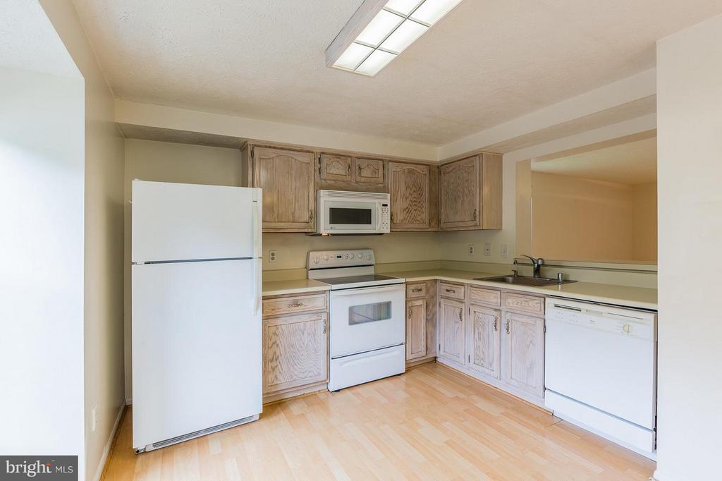 Kitchen - 4908 SUGAR MAPLE LN, DUMFRIES