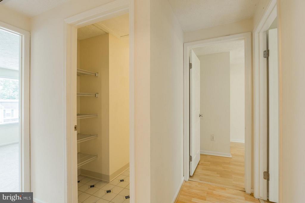 Upper Hallway - 4908 SUGAR MAPLE LN, DUMFRIES