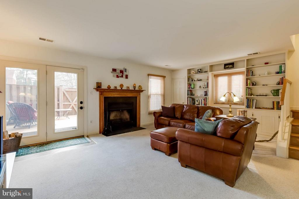 Family Room with Wood Burning Fireplace - 10137 TURNBERRY PL, OAKTON