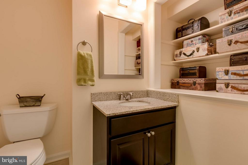 Renovated Half Bath - 10137 TURNBERRY PL, OAKTON