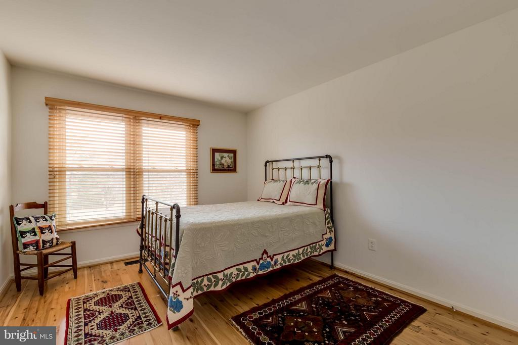 Second Bedroom - 10137 TURNBERRY PL, OAKTON