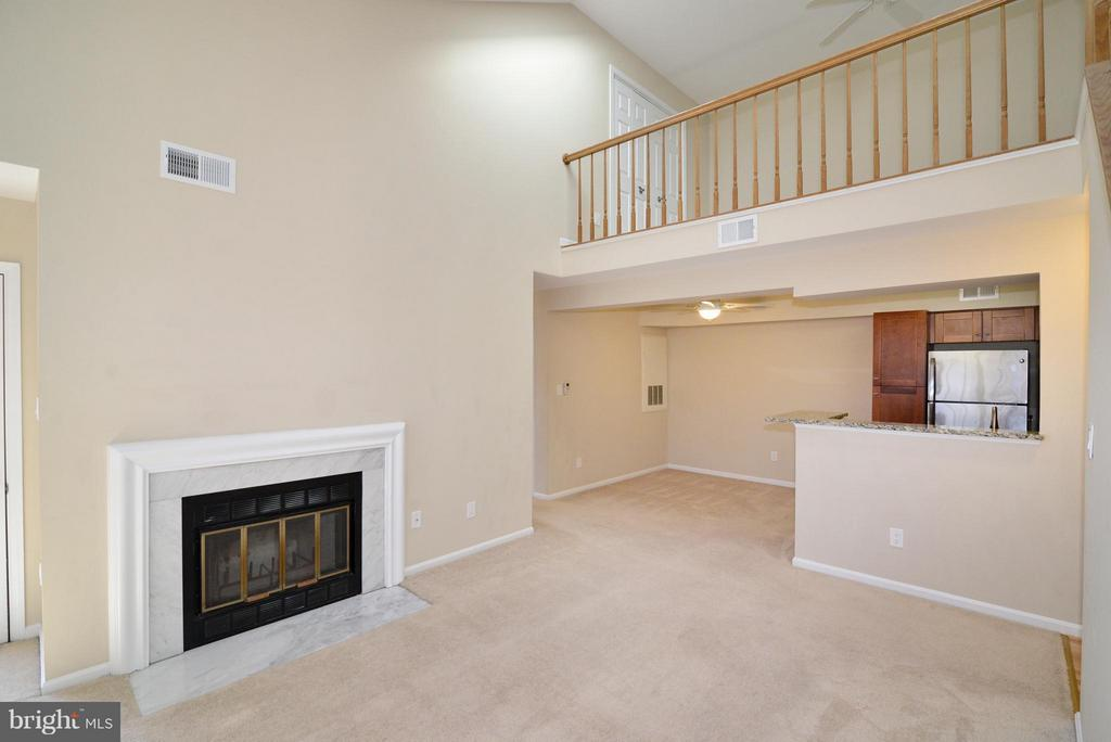 Living Room - 2221 LOVEDALE LN #212B, RESTON